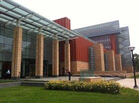 ミシガン大学MBAの校舎。2009年築の建物は快適そのもの