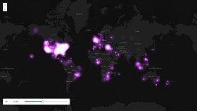 ピンクの点がツイッターでのつぶやきを表している