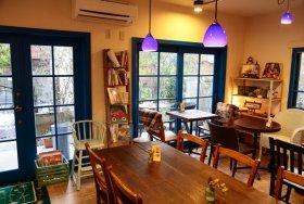 マンションの一部をギャラリー・カフェに改装した東京都練馬区「River Cafe」