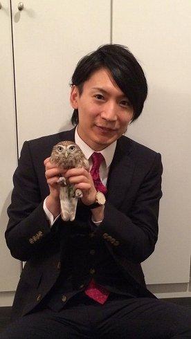 岩沙弁護士とフクロウのコキンちゃん