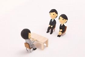 「純情」な男子は就活に不利!? 「女子の方が優秀」説を分析する