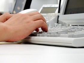 PCタッチタイピングは過去の遺物? 「フリック入力の方が速い」世代が台頭