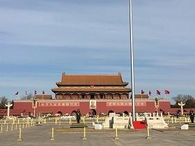 中国ビジネスへの見方も様々