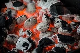 工場が、バーベキューが熱く燃える!