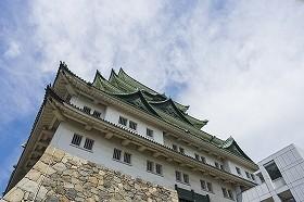 尾張名古屋は城で持つ。喫茶店文化はコメダで持つ