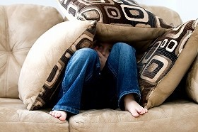 「なまけもののソファ」に引きこもっていてはだめだ