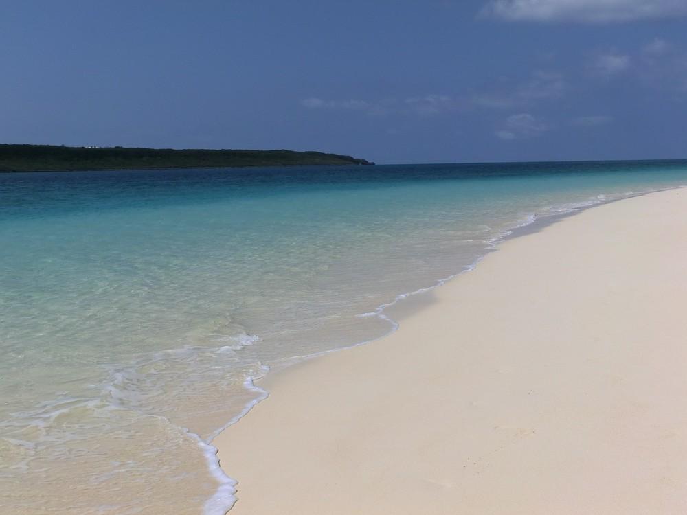 高値の金曜日出発を逆に値下げ 「プレミアム」で沖縄離島PR