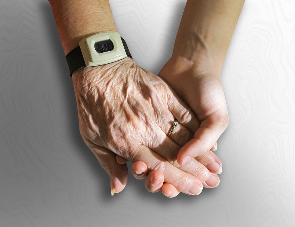 30歳の独身女も、やがて老後の生活を送ることになる