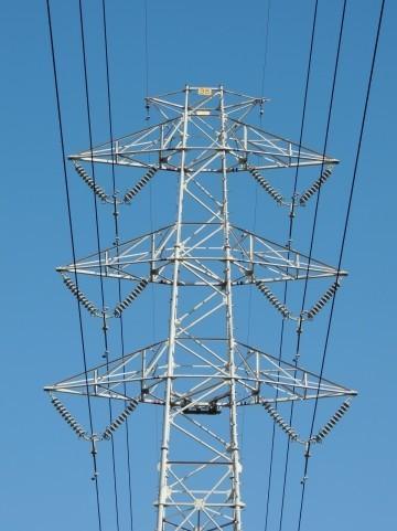 東京電力の17年3月期決算、減収減益 新電力の影響は?
