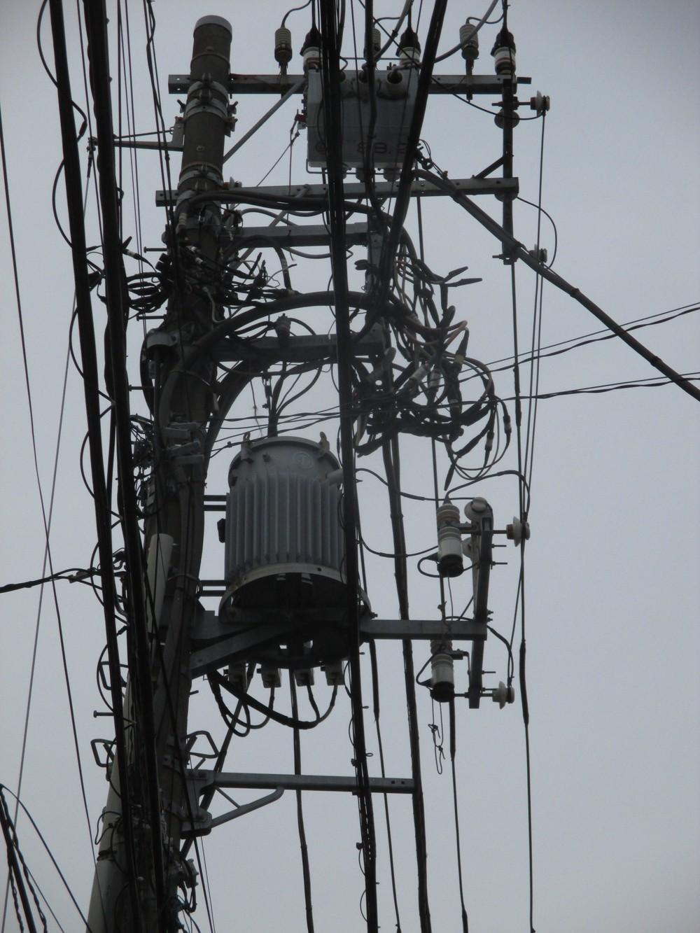 その15 電柱の上にある変圧器  【こんなものいらない!?】