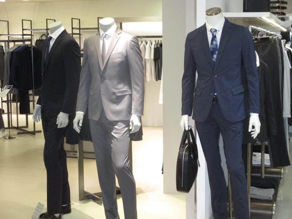 その16 真夏のスーツにネクタイ【こんなものいらない!?】