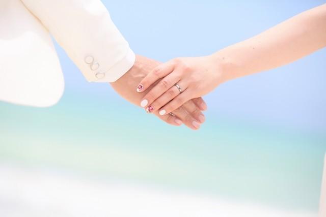 結婚「あえてしないんです」 でも、女性が気になるのは、やはり「年収」?