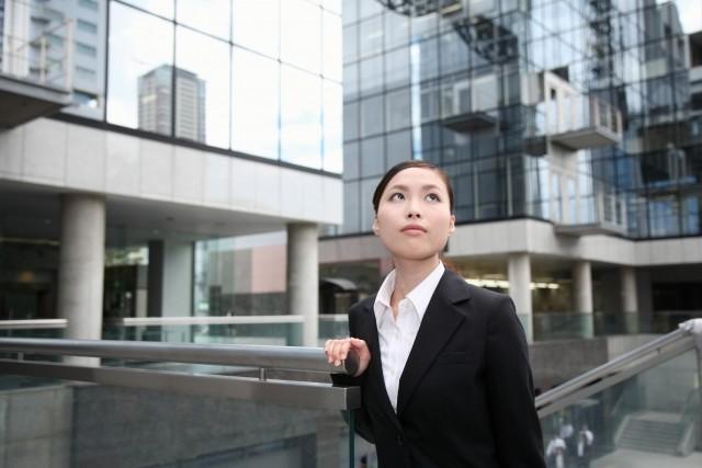 政府目標「10%」これじゃ無理? 上場企業の女性役員比率、ようやく3.8%
