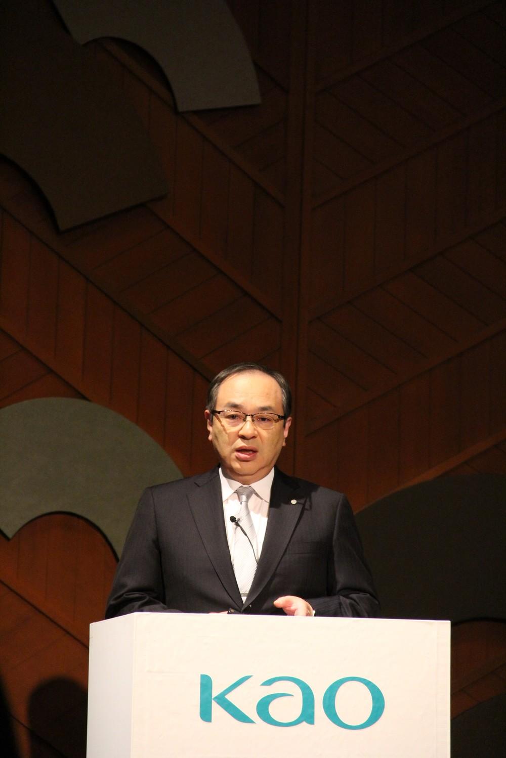 5つの研究領域について説明する長谷部佳宏・専務執行役員
