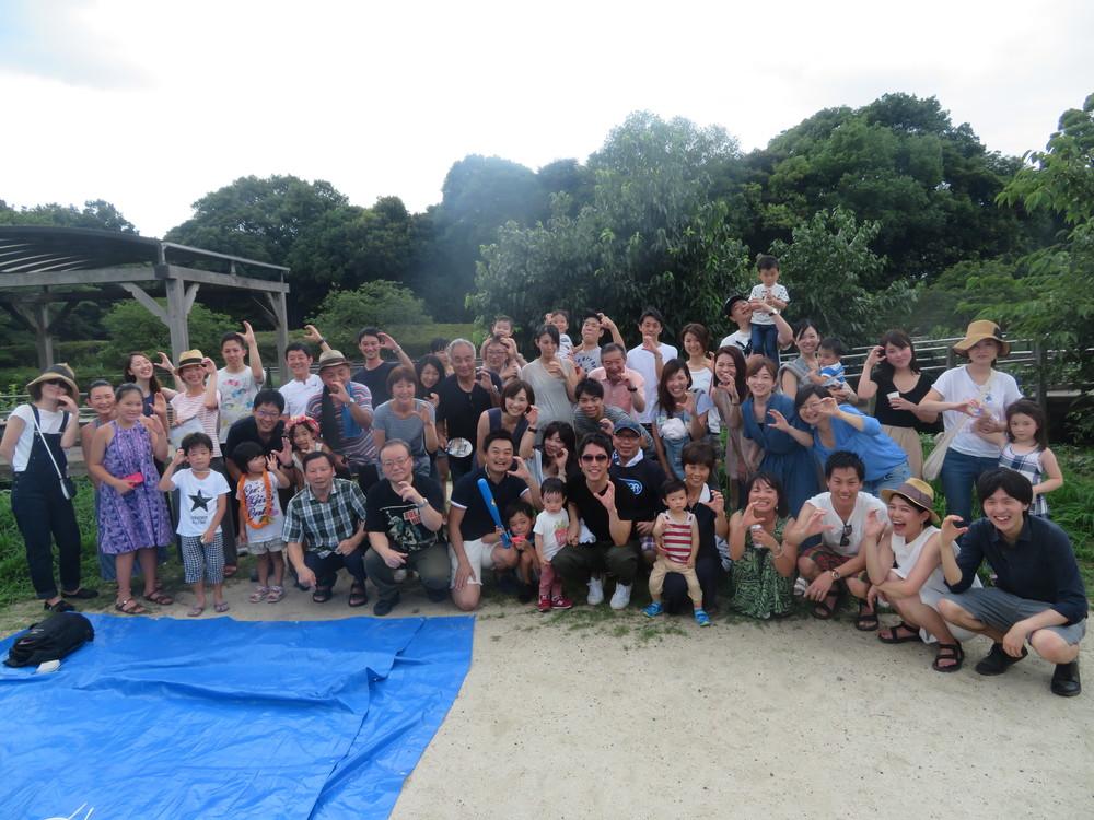 会社のバーベキューパーティーも家族一緒、アットホームだ(2017年、東京都立川市の昭和記念公園で)