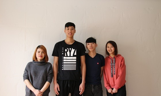 ニッセーデリカ福島工場で学ぶベトナム人の技能実習生たち(左から、チュオン・ティ・ホン・ロアンさん、チャン・ドゥック・ロンさん、ゴー・テー・チェンさん、ブェン・ティー・レー・フェンさん)