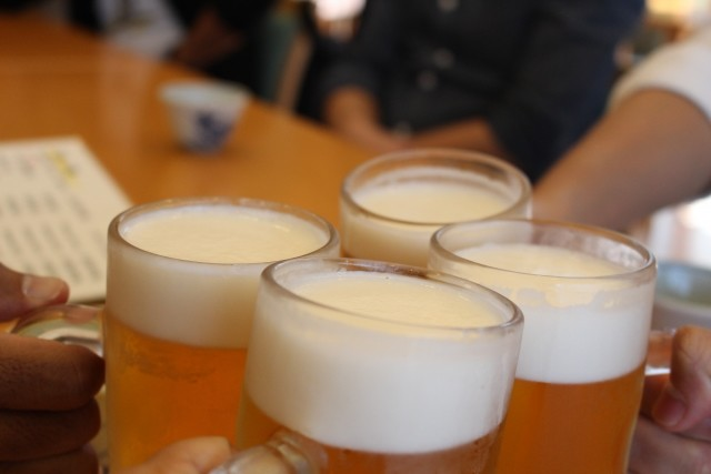 会社の飲み会、4割がツライ!? 「楽しんだことがない」