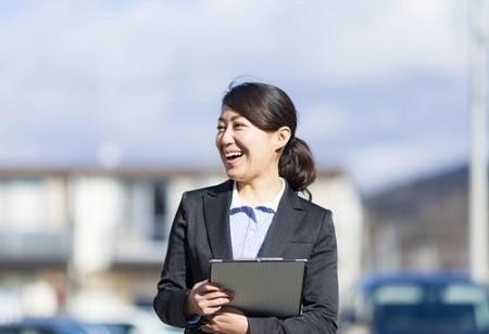 「女性活躍」の企業は? 1位はローソン、過去3年データで判明