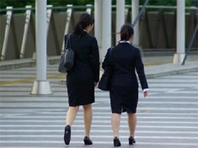 就活予備軍の「就職したい企業ランキング」 急騰する公務員人気は「老後2000万円」の影響か