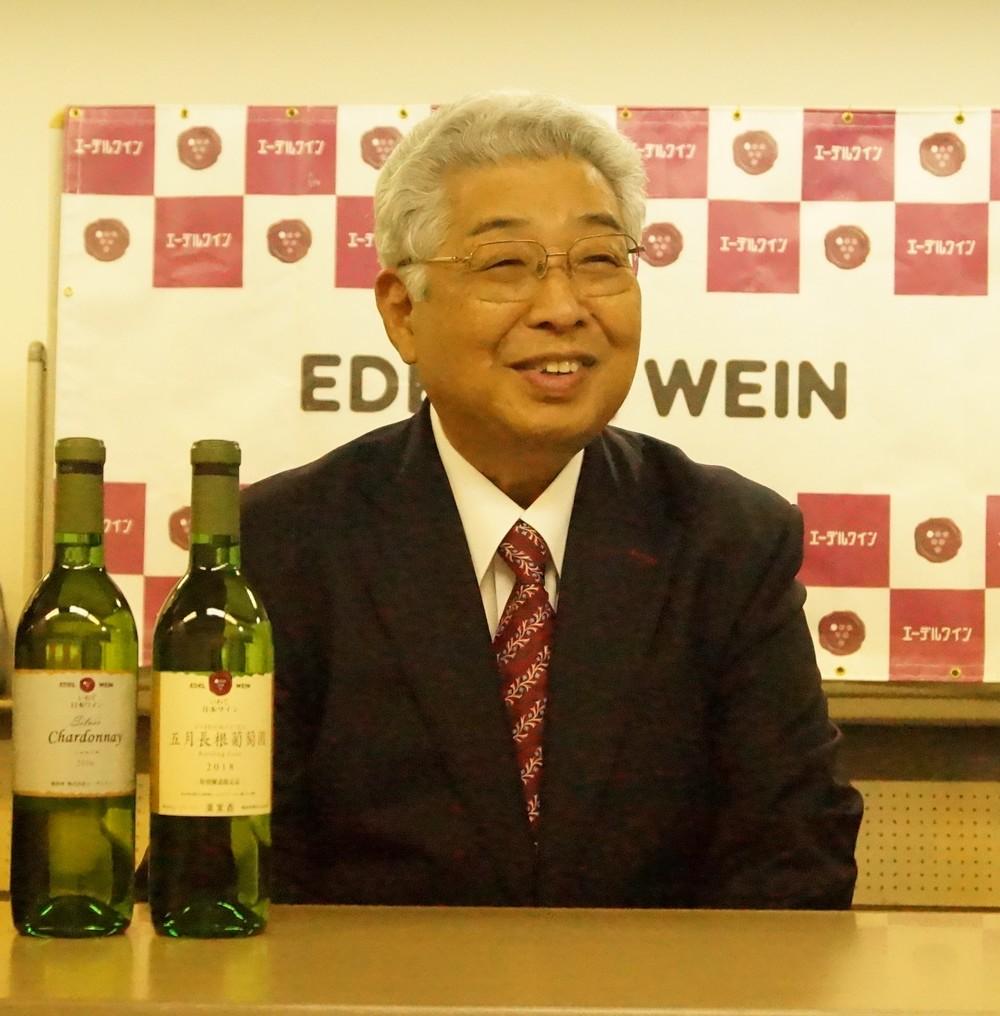 「数多くのコンクールに出品してきた」と話す藤舘昌弘社長