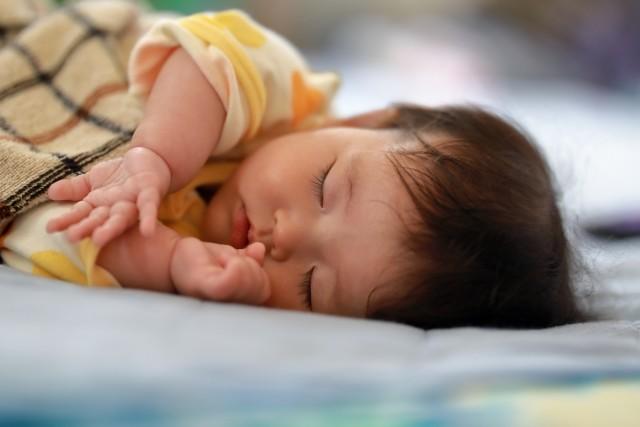2019年の出生数、とうとう90万人割れ 減少を「悲観」して終わりの無策の果て......(鷲尾香一)