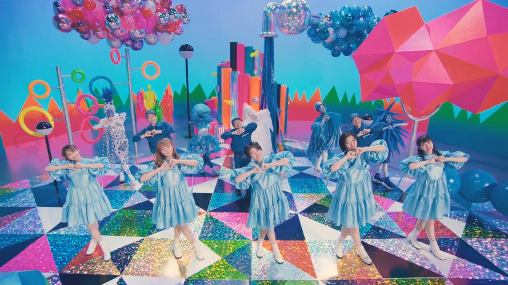 「エビ中」の5人が「水道水の個性」を歌とダンスで紹介する(画像は、「Sweet of Sweet 君に届くまで~」より)