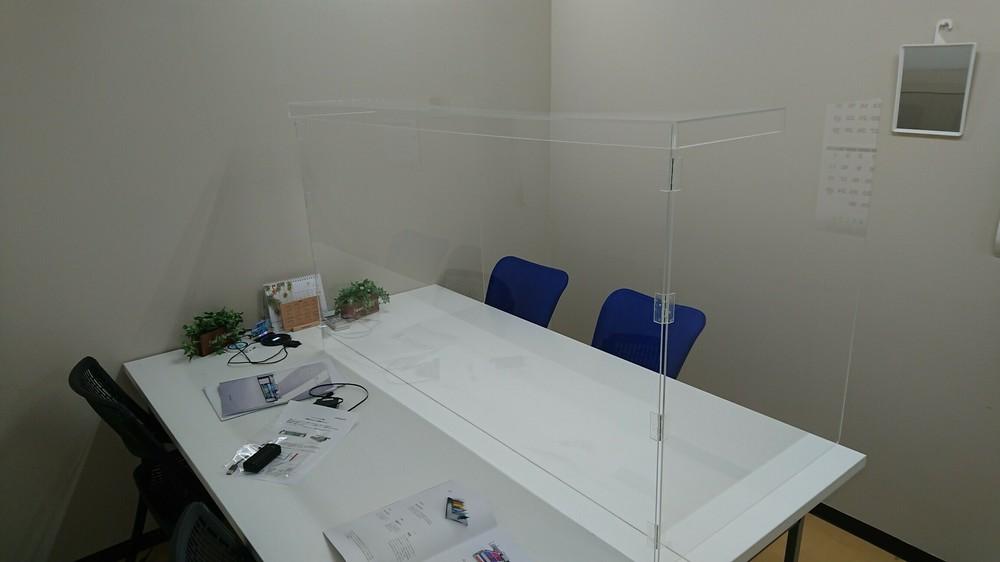 アクリルパネルはオーダーに合わせた設計、製作が可能