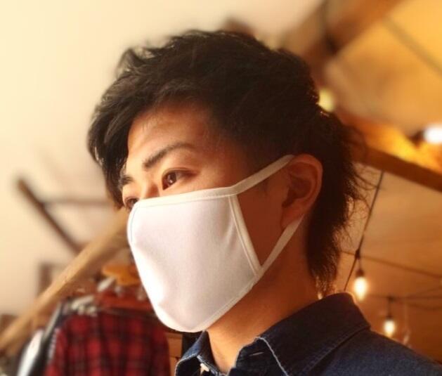 吸水速乾布性が特徴の「Ms Threeマスク」