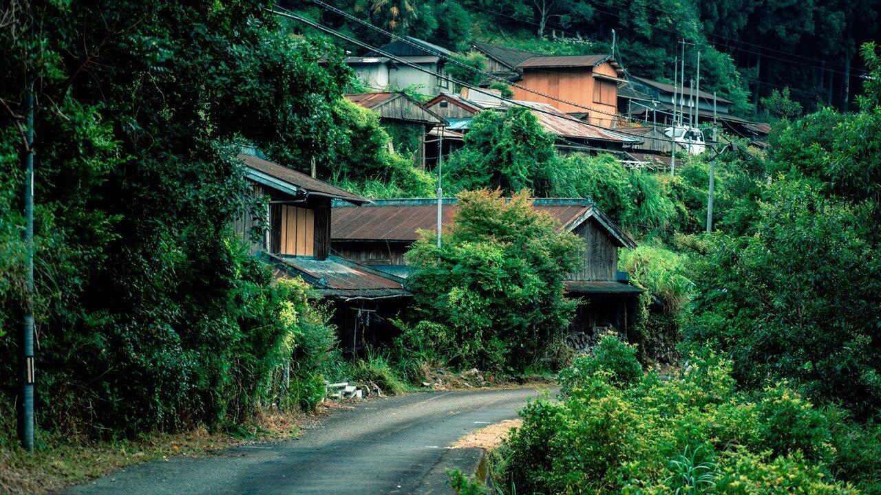 「山奥ニート」は限界集落で都会的生活