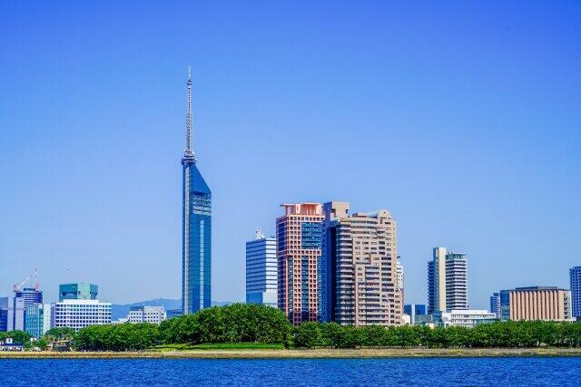 福岡は金融激戦区(写真は福岡タワー)