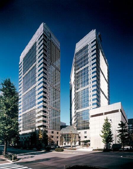 NTT(持株会社)本社が入っている大手町ファーストスクエア(NTTの2013年10月28日付のプレスリリースより)