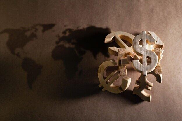 外貨建て保険には為替レートがつきもの