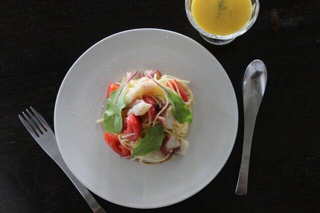 料理と色 料理を美味しそうに見せるカギはお皿にあった!(入澤有希子)