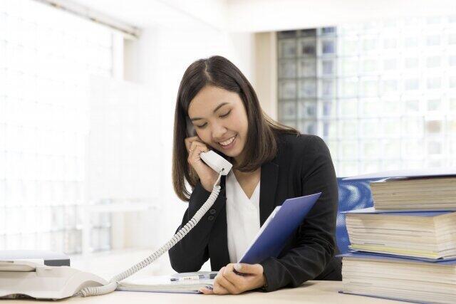 「テレワーク中の同僚の雑用が増えてつらい」女性の投稿に怒りと同情の声が交錯 同僚はママ友と楽しくランチ...(2)