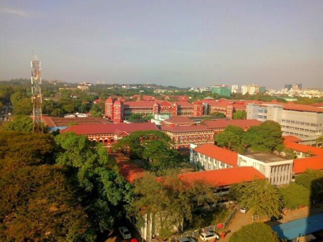 ミャンマー最大の都市ヤンゴンの街並み