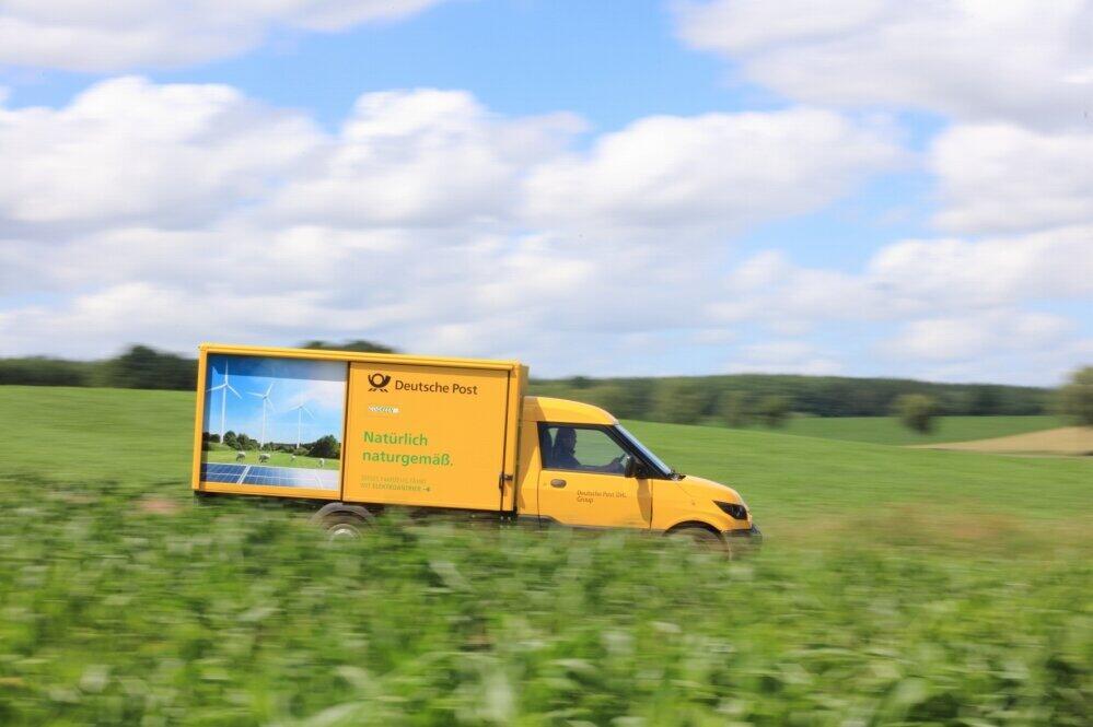 物流大手のドイツポストDHLは全車両を再エネによる電気自動車に置き換えることを目指している(C)Deutsche Post AG