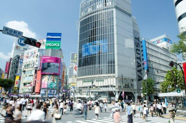 居住人口は多い東京都だが、関係人口は福島県の半分ほどだ(写真は、東京・渋谷駅前のスクランブル交差点)