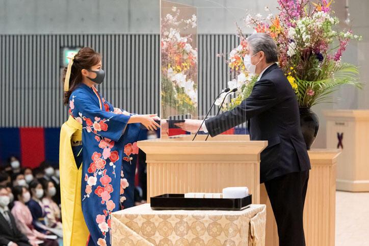 慶応義塾大学の卒業式(2021年3月25日)