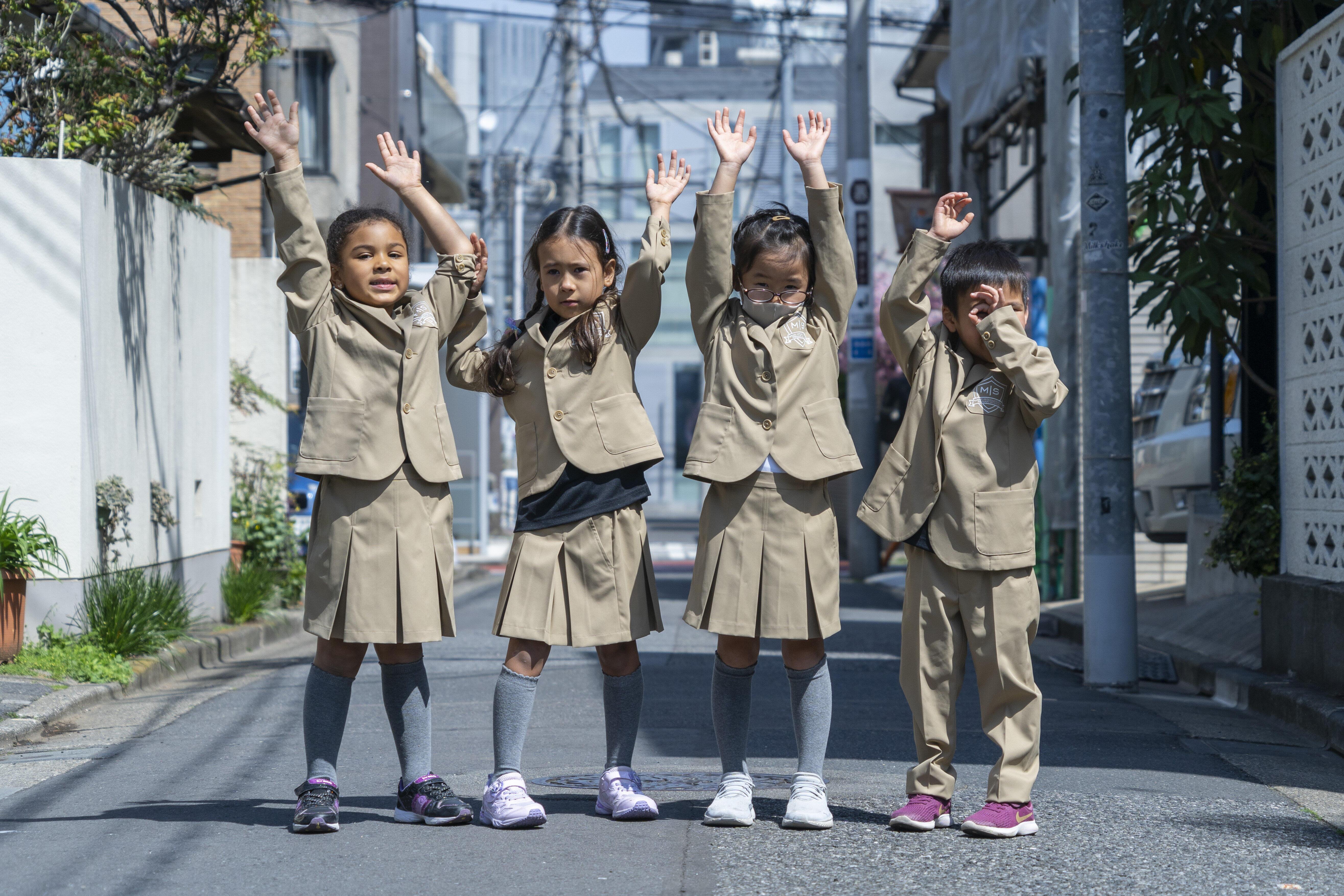 マリーインターナショナルプライマリースクールで採用されたWWSの学生服