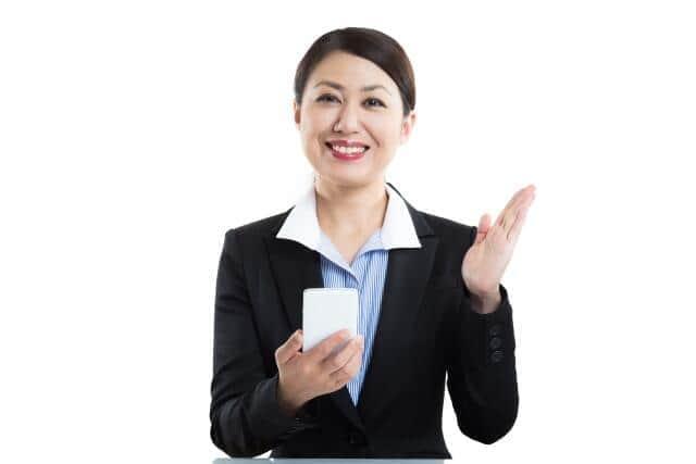 スマートフォンの販売スタッフを派遣・紹介(写真はイメージ)