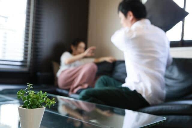 コロナ禍で増加したDVや性犯罪 女性の4人に1人が配偶者からの暴力という現状(鷲尾香一)