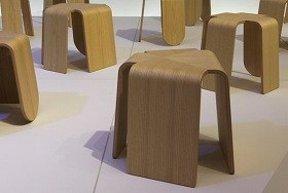 同じだけど違う椅子たち   トネリコ「STOOL」展