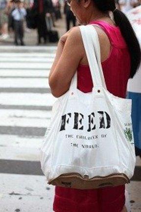 人気エコロジーバッグ「FEED」 デザイナーは前大統領の姪