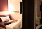 カプセルホテルで浸る「上質」 大阪で話題「ファーストキャビン」