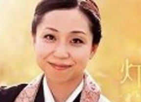【モノウォッチ・インタビュー】「尼さん」シンガー三浦明利、メジャー初アルバム 「現代の和讃」とポピュラリティーの融合