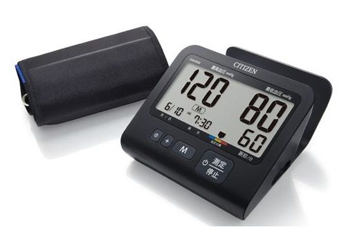 オールブラックでスタイリッシュな電子血圧計