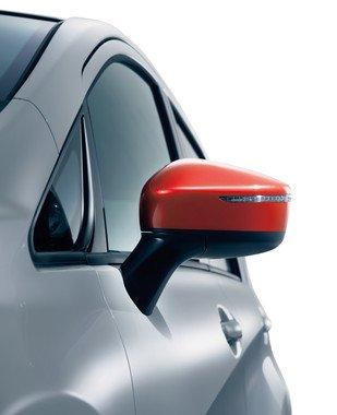 専用レッドのサイドターンランプ付き電動格納式リモコンカラードドアミラー