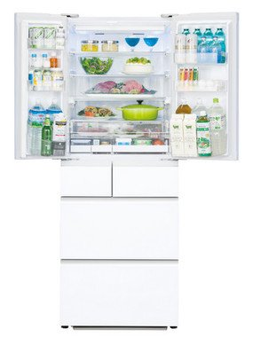 庫内棚も清潔に保ちやすい強化ガラスを全段採用