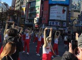 大車輪はできなかったけど...「てつぼうくん」たちが渋谷で大技披露