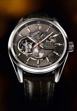 「輝ける星」をイメージした機械式時計